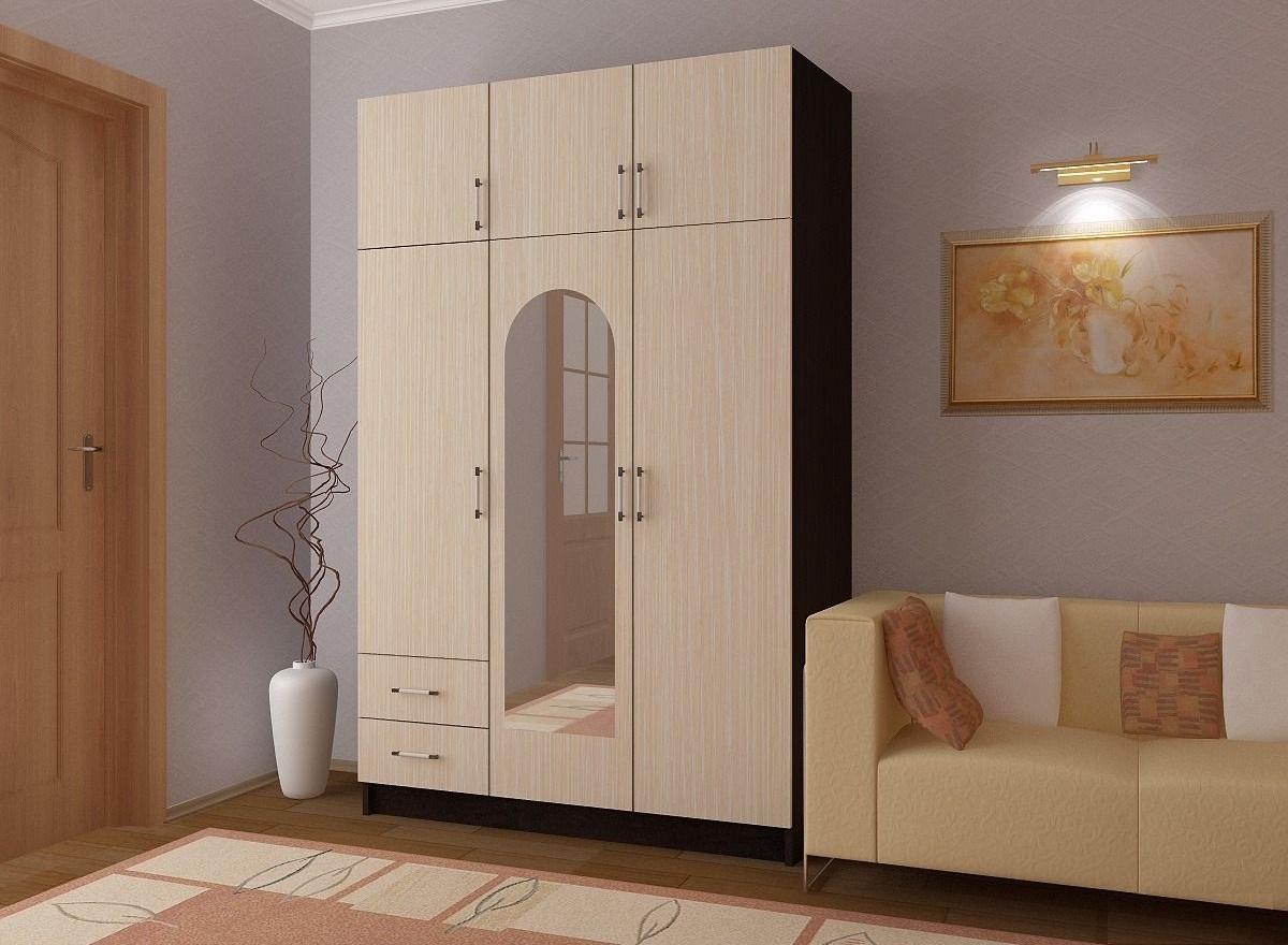 Шкаф 3-ёх дверный с антресолью.